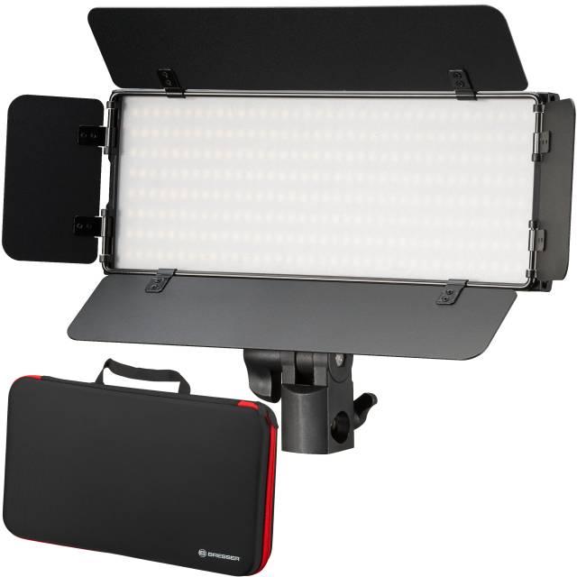 Dwukolorowy zestaw oświetlenia wideo LED BRESSER PT 30B-II z klapami świetlnymi, akumulatorami, zasilaczem, modułem zdalnego sterowania i walizką